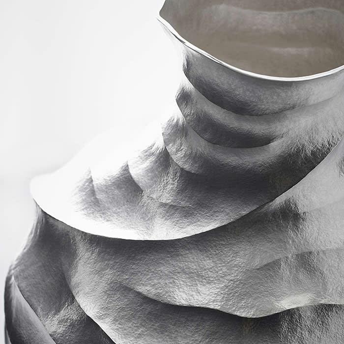 Hiroshi Suzuki Aqua-Poesy VII, 2018 Hammer-raised and chased Fine silver 999 Height 33.5cm (13 1/4