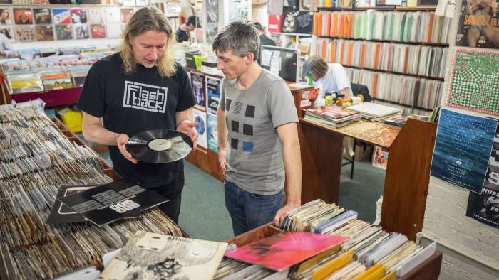 Ludovik Hunter-Tilney has his record collection valued at Flash Back records, Essex Road, London. For FT Money.