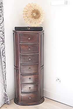 Vietnamese chest of drawers