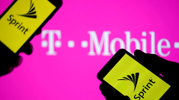 T-Mobile and Sprint try to clinch merger with spectrum sale