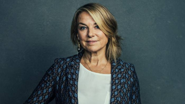 £150 FOR ONLINE AND PRINT MUST CONTACT EYEVINE BEFORE USE Esther Perel, psychotherapist and podcaster, at The Atlantic Festival in Washington DC, on October 3, 2018. In its tenth year, Washington Ideas became The Atlantic Festival. Our new name pays homage to 161 years of award-winning journalism, analysis and storytelling, and captures the expansive nature of the event. Credit: Stephen Voss / Redux / eyevine For further information please contact eyevine tel: +44 (0) 20 8709 8709 e-mail: info@eyevine.com www.eyevine.com