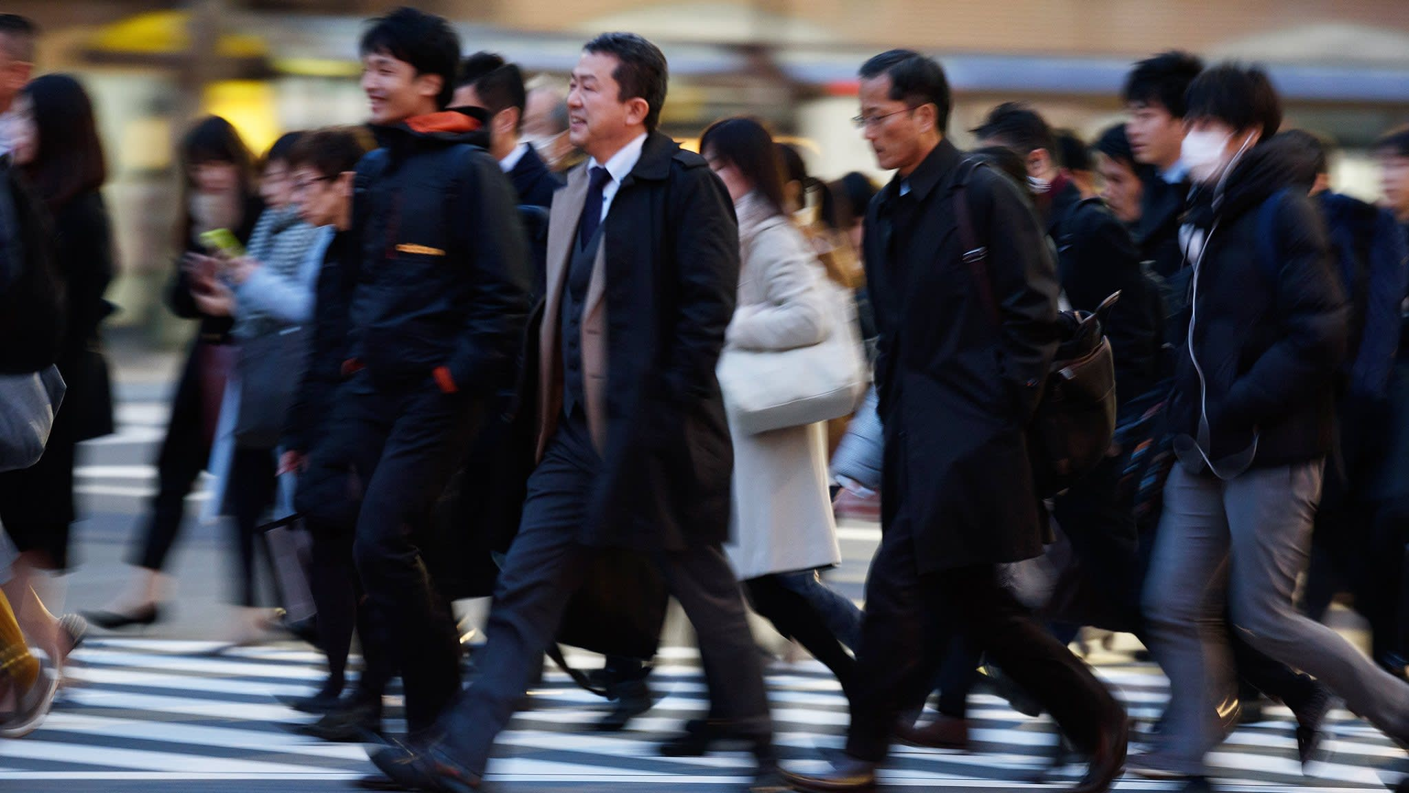 Pay jump for contract staff signals shake-up in Japan's job market | Financial Times