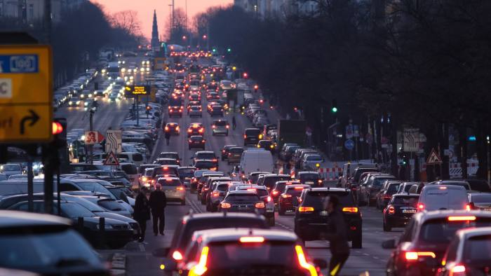 BERLIN, GERMANY - JANUARY 31: Cars drive along Bismarckstrasse during rush hour in Charlottenburg district on January 31, 2019 in Berlin, Germany. German cities are grappling with a variety of issues related to cars, including possible court-imposed bans on older-model diesel cars due to their emissions, debates over how to effectively measure emission levels as well as other means to lower the level of pollution, including expanding the charging infrastructure for electric-powered vehicles. (Photo by Sean Gallup/Getty Images)
