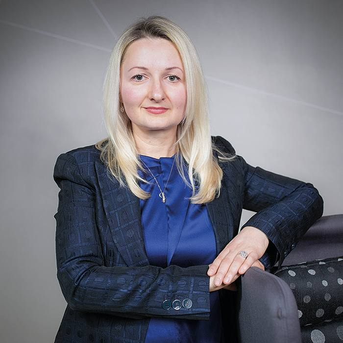 Alina Lapusneanu. Angel Academe. 20/2/2019 for FT Wealth Mag.