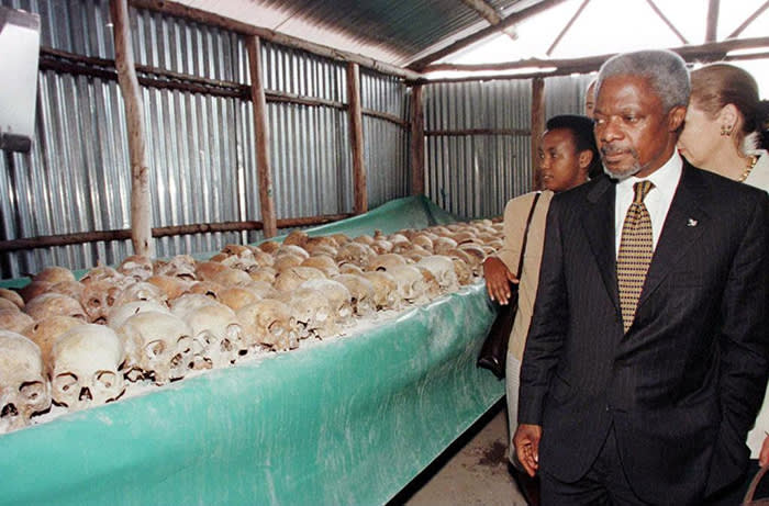 """(FILES) In this file photo taken on May 8, 1998 UN Secretary General Kofi Annan walks by skulls at the Mulire Genocide memorial. - Former United Nations Secretary General and Nobel Peace Prize laureate Kofi Annan has died on August 18, 2018 after a short illness at the age of 80, his foundation announced. """"It is with immense sadness that the Annan family and the Kofi Annan Foundation announce that Kofi Annan, former Secretary General of the United Nations and Nobel Peace Laureate, passed away peacefully on Saturday 18th August after a short illness,"""" the foundation said in a statement. (Photo by ALEXANDER JOE / AFP)ALEXANDER JOE/AFP/Getty Images"""