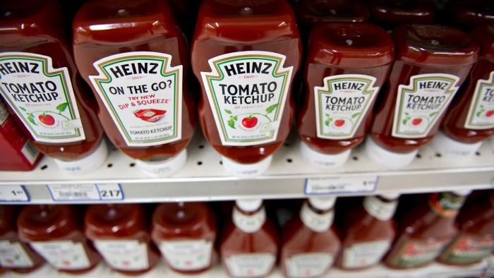 HJ Heinz Co. Products At a Supermarket Ahead of Earnings Data...H.J. Heinz Co. ketchup products sit on display at a supermarket in Princeton, Illinois, U.S., on Wednesday, Aug. 22, 2012. H.J. Heinz Co. is scheduled to release earnings on Aug. 29. Photographer:  Daniel Acker/Bloomberg