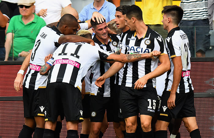 UDINE, ITALY - SEPTEMBER 16: Rodrigo De Paul of Udinese Calcio celebrates after scoring the opening goal with team-mates during the serie A match between Udinese and Torino FC at Stadio Friuli on September 16, 2018 in Udine, Italy. (Photo by Alessandro Sabattini/Getty Images)