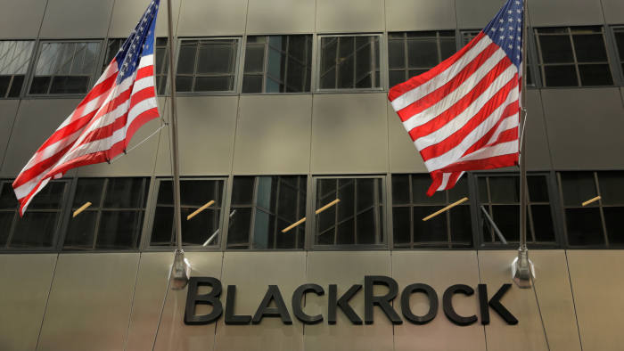 FILE PHOTO: A sign for BlackRock Inc hangs above their building in New York U.S., July 16, 2018/File Photo