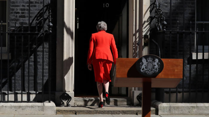 British Prime Minister Theresa May leaves after delivering a statement in London, Britain, May 24, 2019. REUTERS/Simon Dawson