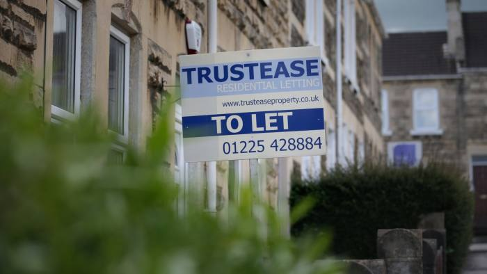 BATH, ENGLAND - MAY 13: A 'To Let' letting sign is seen displayed outside a rental property in an area that is popular for buy-to-let properties on May 13, 2014 in Bath, England. The Labour party has announced that if it wins the election it would cap rent increases in the private sector and scrap letting fees to estate agents. (Photo by Matt Cardy/Getty Images)