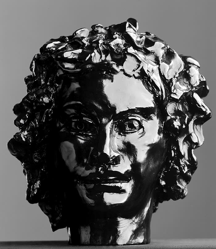 DIONYSIS GEORGE CONDO (Concord, 1957) Patinated bronze 23.6 x 20.8 x 19.8 cm (9.3 x 8.2 x 7.8 in.) Stamped with initials, numbered '3/3' and dated '02' 2002 GALERIE ANDREA CARATSCH