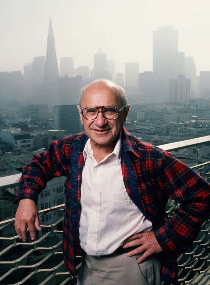 SAN FRANCISCO, CA - 1986: Nobel Prize-winning economist Milton Friedman poses on the balcony of his home during a 1986 San Francisco, California, photo portrait session. For much of the 1980s, Friedman's economic policies helped shape the United States and the world.(Photo by George Rose/Getty Images)