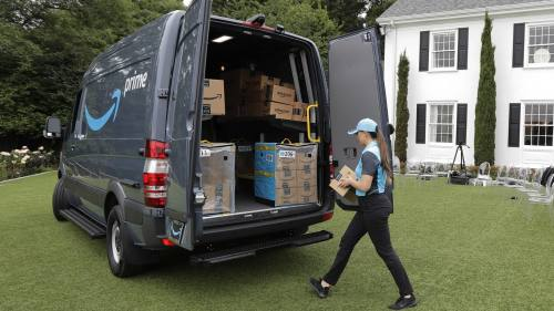 Amazon delivery plan poses threat to US Postal Service growth