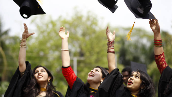 Unconditional offers from universities hit record | Financial Times