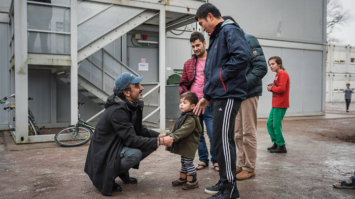 Hamdi Ulukaya meets refugees in Italy