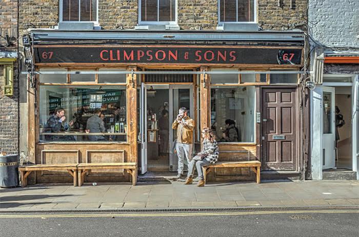 EGYY5G Broadway Market, Hackney, Coffee bar climpson & sons