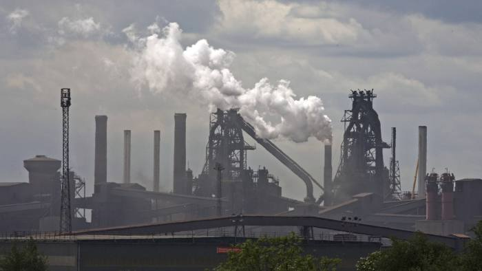 epa07503352 (FILE) - The British Steel steelworks in Scunthorpe, north east Britain 20 May 2011. Media reports on 13 April 2018 state that British Steel, which directly employs 5000 people, is in talks with British Governement officials about securing emergency funding of 100 million GBP? government loan after British Prime Minister Theresa May's failure to pass a Brexit deal left it frozen out of an EU-wide carbon trading scheme. British Steel is believed to have a cash-flow shortfall as a result of the EU's decision not to allocate British based companies their usual permits under its carbon emissions trading system (ETS). EPA-EFE/LINDSEY PARNABY