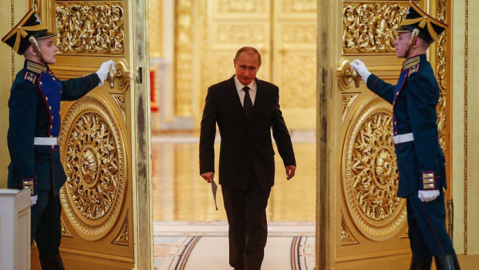 Turbulence Persuades Russia S Putin To Back Move To Extend His Rule Financial Times