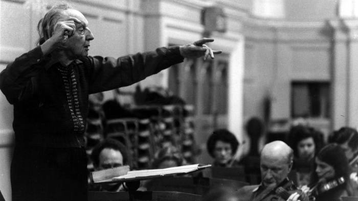 9th January 1973: Leopold Stokowski (1882 - 1977), the world famous conductor, in action at rehearsals with the Philharmonic Orchestra. (Photo by Frank Barratt/Keystone/Getty Images)