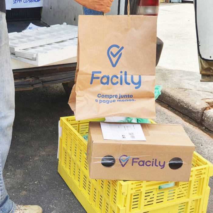 A pick up point for Facily in Brazil. Facily is a Sao Paulo-based social commerce group.