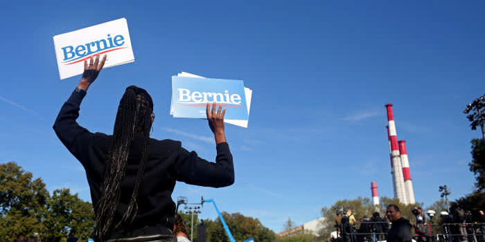 "Attendees of a ""Bernie's Back"" rally await Democratic 2020 U.S. presidential candidate and U.S. Senator Bernie Sanders (I-VT) to speak at Queensbridge Park in the Queens Borough of New York City, U.S., October 19, 2019. REUTERS/Yana Paskova"