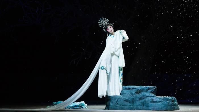1e00a9c34 China National Peking Opera, Sadler's Wells, London — mouthwatering ...