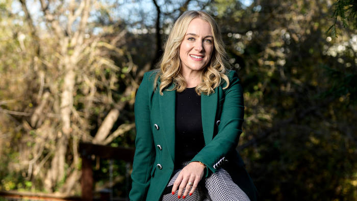 April Underwood of the all female investment collective #ANGELS in the backyard of her her home in San Anselmo, CA. Photo by Winni Wintermeyer for The Financial Times. December 16, 2019.