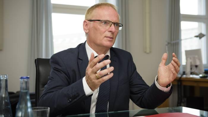 Jochen Homann, the president of the Bundesnetzagentur (federal network agency).