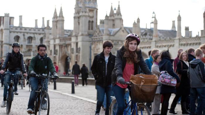 CYE25B University Students in Cambridge, Cambridgeshire, England,UK. 3-11-2012. Image shot 11/2012. Exact date unknown.