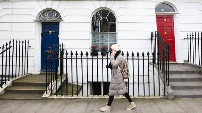 London House Prices Fall At Sharpest Rate Since 2009