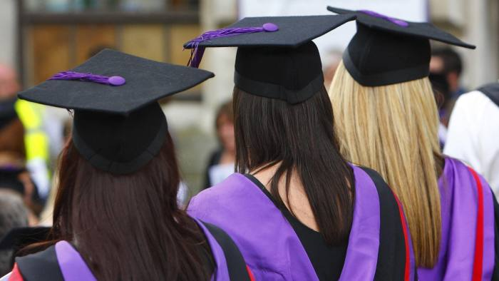 File photo dated 16/07/08 of university graduates. A study by social mobility charity The Sutton Trust has found that eight of the UK's top schools get as many students into Oxford and Cambridge universities as three-quarters of all schools and colleges put together. PRESS ASSOCIATION Photo. Issue date: Friday December 7, 2018. The analysis showed just eight schools sent 1,310 pupils to Oxbridge over three years, while over the same period, 2,894 other schools sent just 1,220 students between them. See PA story EDUCATION Oxbridge. Photo credit should read: Chris Ison/PA Wire