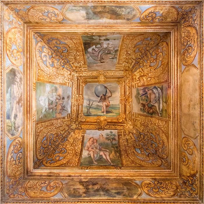 Castello di Ugento frescos . PR SHOT