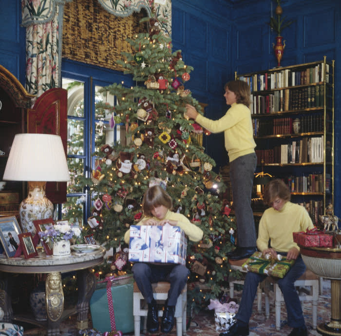 The Right Way To Decorate A Christmas Tree Financial Times