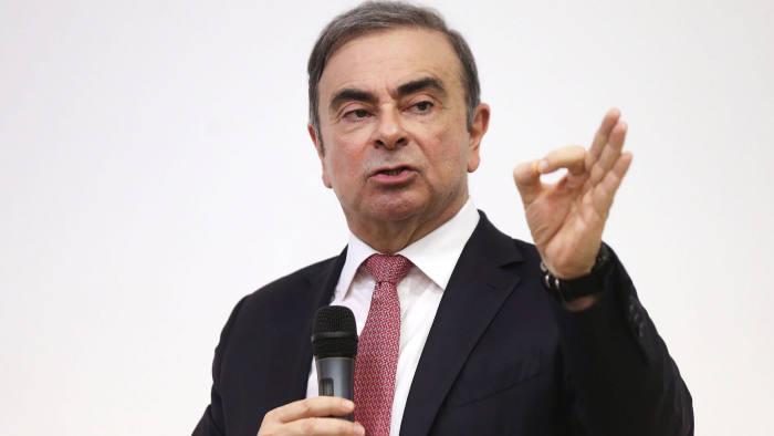 Nissan fa causa al suo ex presidente: chiesti 10 miliardi di yen