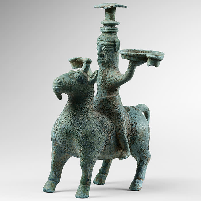 Bronze wine vessel, late Shang dynasty (c1600-1046BC)