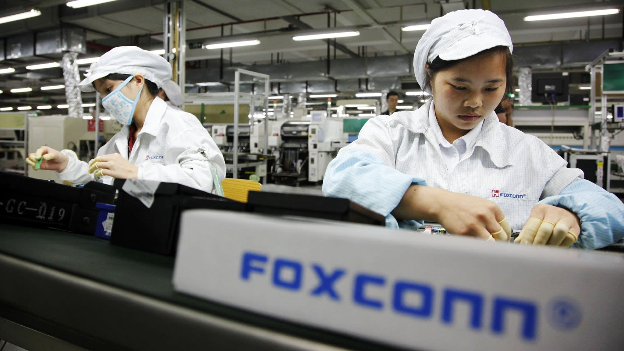 Foxconn slumps as worries build over trade war, iPhone margins | Financial Times