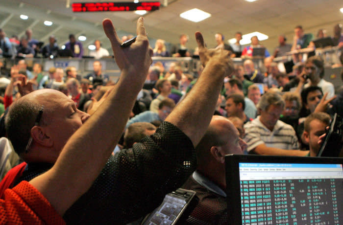 epa07019180 (FILE) - Traders work in the S and P 500 pit at the Chicago Board Options Exchange in Chicago, Illinois, USA, 15 September 2008 (reissued 14 September 2018). Ten years ago on 15 September 2008, US investment bank Lehman Brothers filed for Chapter 11 bankruptcy protection, triggering a worldwide financial crisis. The bankruptcy of the bank with more than 600 billion USD in assets is until today day the largest bankruptcy filing in the history of USA. EPA-EFE/KAMIL KRZACZYNSKI