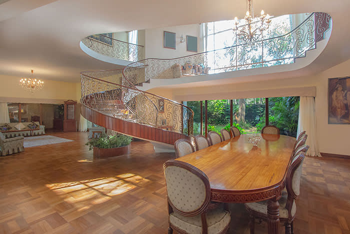 An eight-bedroom house in Colombo 7