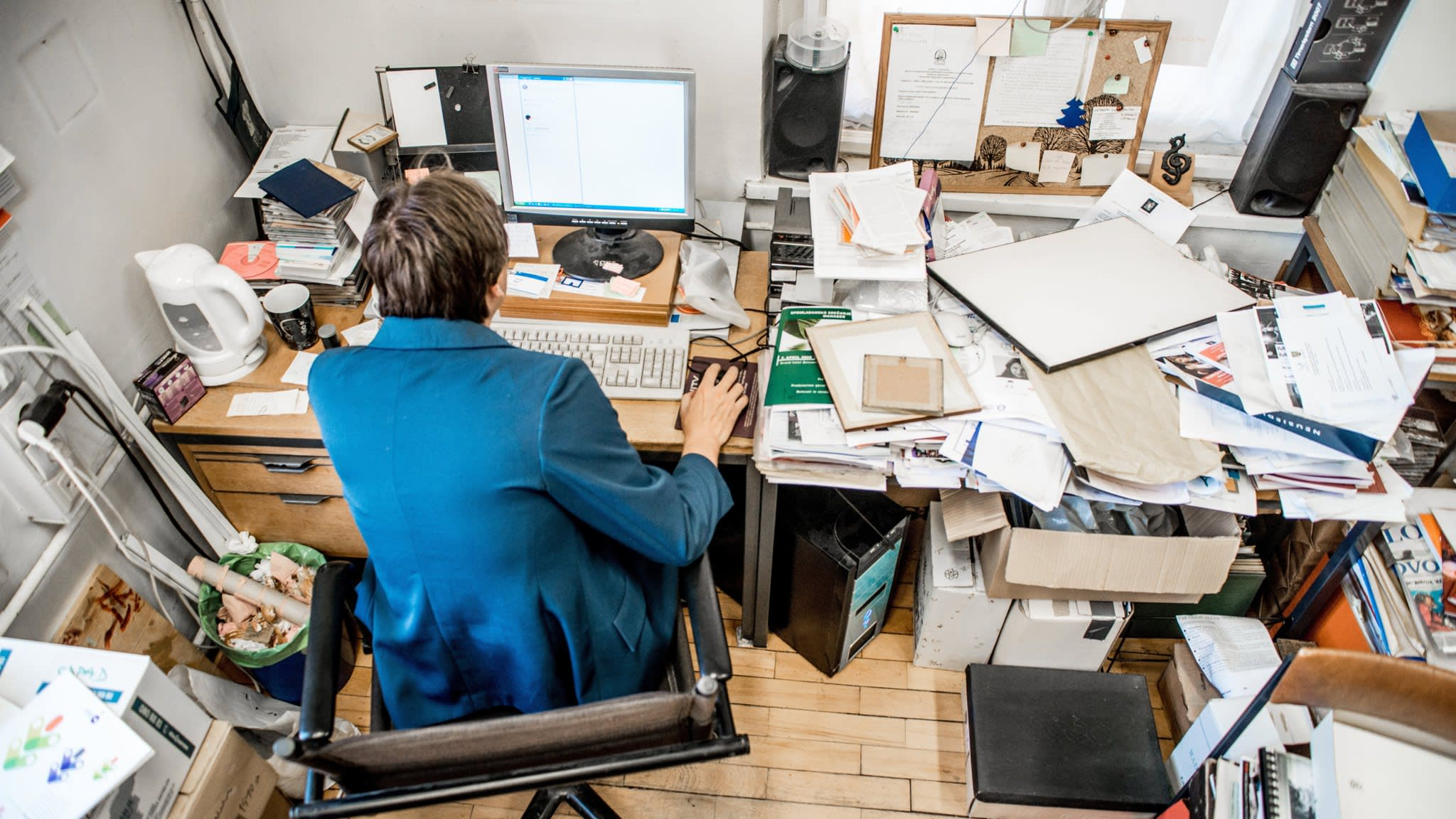 Messy desks and benign neglect allow new ideas to grow | Financial Times