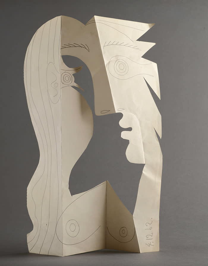 Pablo Picasso, Head of a Woman, Mougins, 4 December 1962 Pencil on cut and folded wove paper from an album sheet, 42 x 26.5 cm Musée national Picasso-Paris. Pablo Picasso gift in lieu, 1979. MP1850 Photo © RMN-Grand Palais (Musée national Picasso-Paris) / Béatrice Hatala © Succession Picasso/DACS 2019