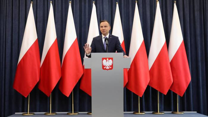 Poland's president Andrzej Duda delivers a statement refusing to sign the bill stripping the rank of members of the communist military council, that imposed martial law in Warsaw, Poland, March 30, 2018. Agencja Gazeta/Slawomir Kaminski/ via REUTERS ATTENTION EDITORS - THIS IMAGE WAS PROVIDED BY A THIRD PARTY. POLAND OUT.