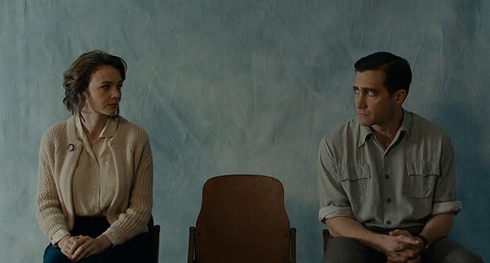 Carey Mulligan and Jake Gyllenhaal in 'Wildlife' (2018)