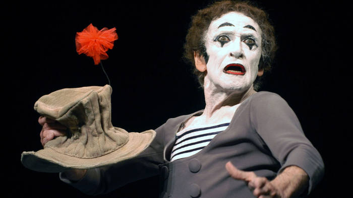 WESTWOOD, CA -JULY 31: Mime Marcel Marceau performs at the Geffen Playhouse July 31, 2002 in Westwood, California (Photo by Michel Boutefeu/Getty Images)