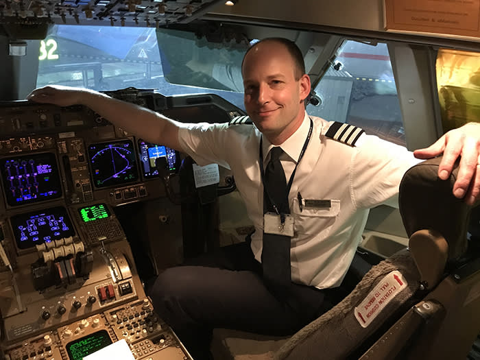 Boeing Out in Style: a Pilot's Final Flight in a 747