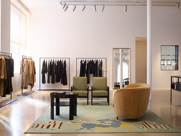 High End And Low Key Olsen Twins Open The Row Store In London Financial Times
