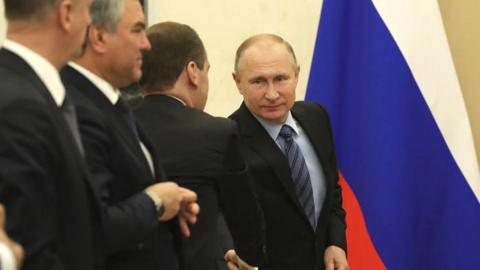 Russia's business elite seeks to play down Putin links | Financial Times