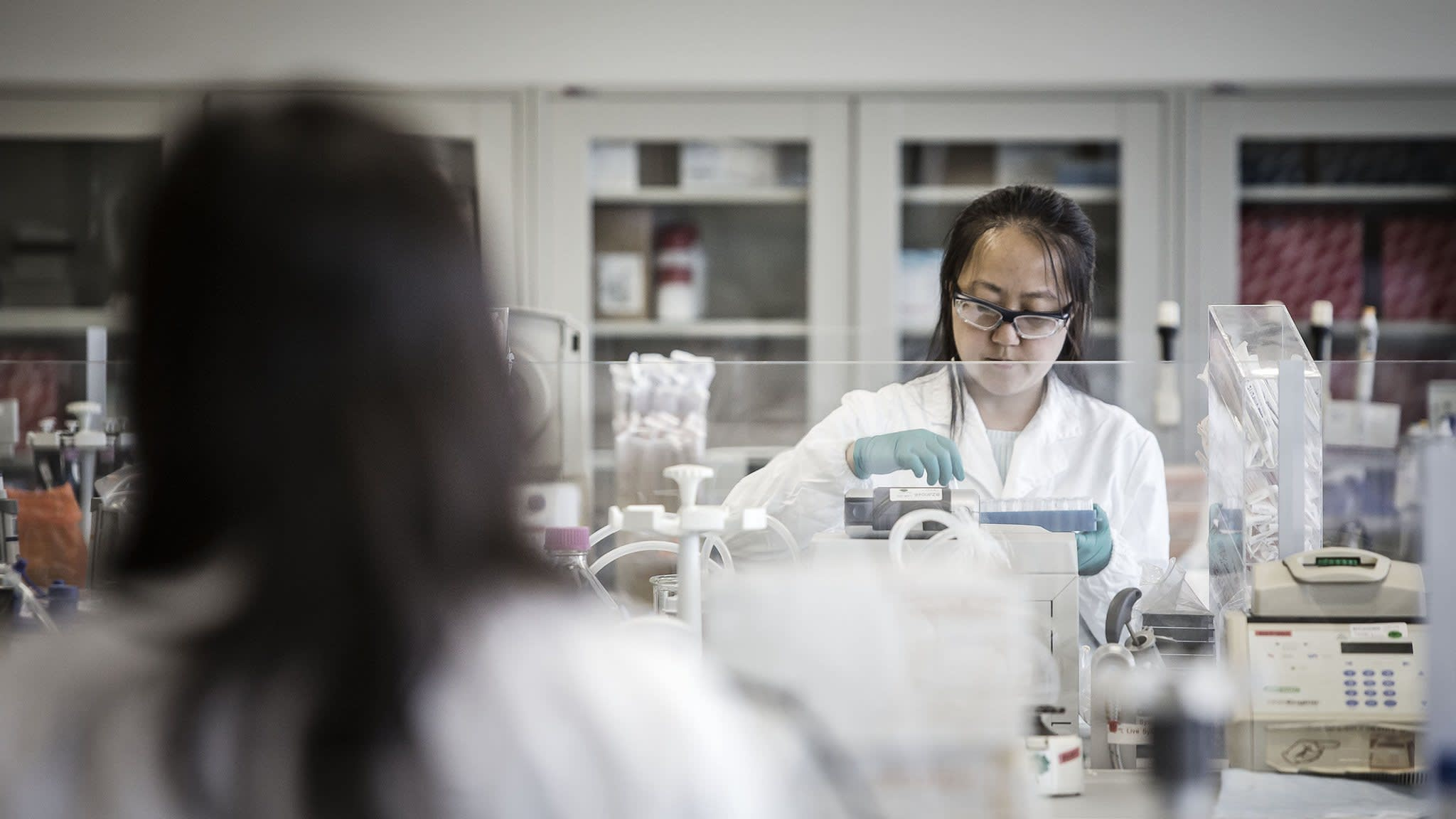 China vows to accelerate cancer drug price cuts | Financial Times
