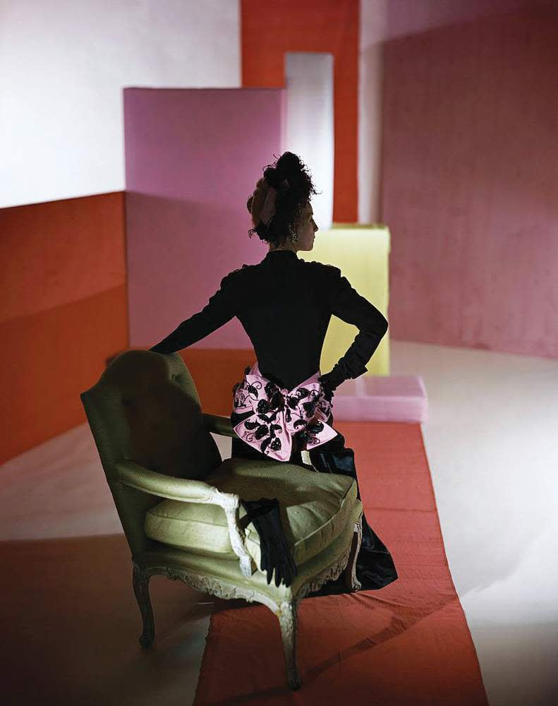 Model wearing a Schiaparelli dress, 1947 ©Horst P Horst\/Condé Nast via Getty Images.