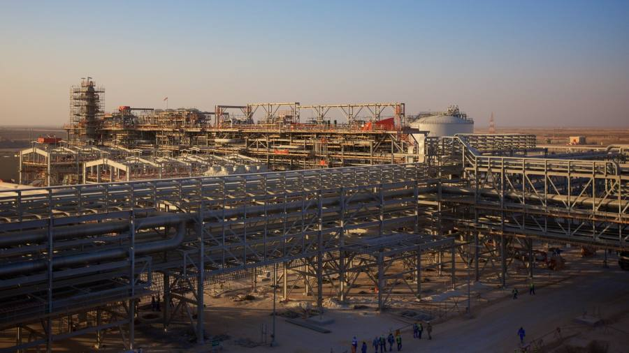 BP begins production at $16bn Oman gas project | Financial Times