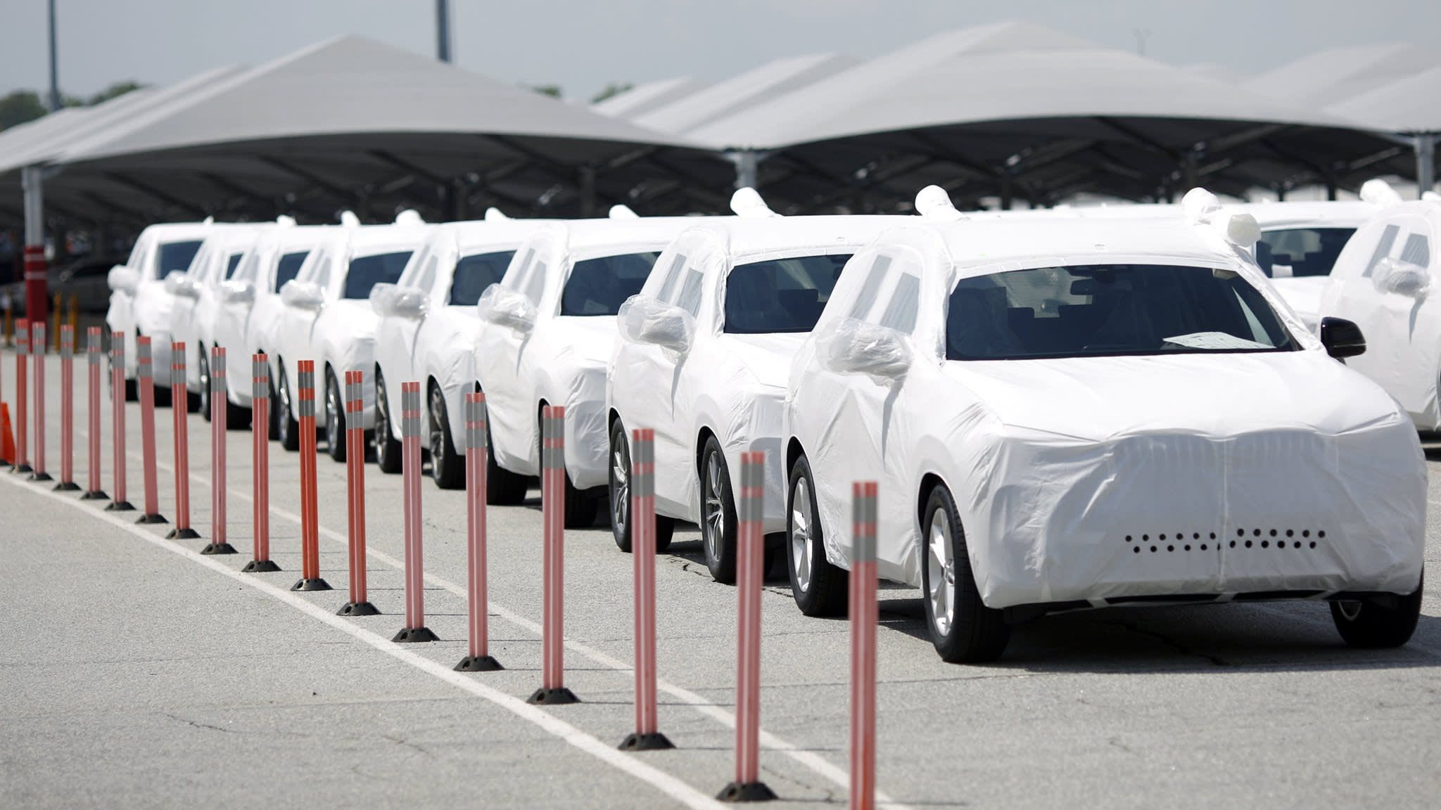 Car sector hit by BMW profit warning on trade war